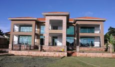 9 room house for sale in Entebbe town