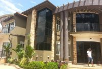 House for sale in Mutundwe Entebbe road