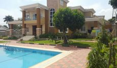 House for sale in Muyenga with swimming pool