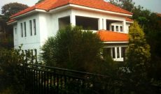 House for sale in Entebbe with beachfront