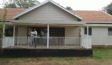 House on 1.2 acres for sale in Bugolobi 600,000 USD