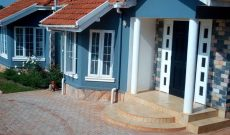 5 Bedroom house for sale in Seguku with a swimming pool 850m
