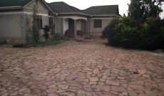 4 bedroom house for sale in Wakiso on 95 decimals 180m