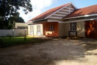 3 bedroom house for sale in Entebbe 160m