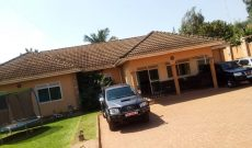 5 Bedroom house for sale in Bukoto 850m