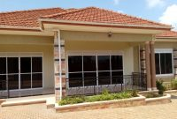 5 Bedroom house on 18 decimals for sale in Kitende 500m