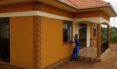 3 bedroom house on 100x100ft plot for sale at 190m