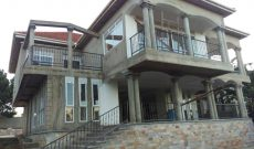 5 Bedroom lake view house for sale in Buziga at 350,000 USD