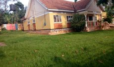 4 bedroom house for sale in Ndejje Entebbe Rd 180m