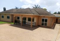 5 bedroom house for sale in Bukoto on 40 decimals 800m