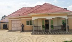 3 Bedroom house for sale in Maya 160m