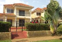 5 houses for sale in Muyenga at 650,000 USD