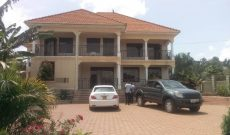 7 bedroom house for sale in Akright Entebbe 800m