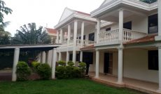 6 Bedroom house for sale in Mbuya on 40 decimals 680,000 USD