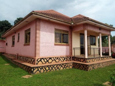 4 bedroom house for sale in Kira at 250m Uganda shillings