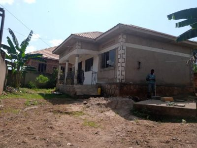 2 bedroom house for sale in Mbalwa Namugongo 70m shillings