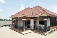 3 bedroom house for sale in Kira at 270m