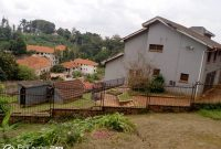 7 bedroom house for sale in Muyenga at 400,000 USD
