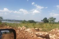 This is a 5 acre piece of land touching the shores of Lake Victoria in Kigo going for 500m per acre