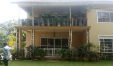 4 bedroom house for sale in Munyonyo at 850m