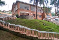 This is a 5 bedroom house for rent in Kololo with a swimming pool 3,000 USD