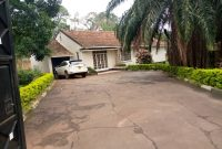 4 bedroom house for sale in Kololo 34 decimals at 700,000 USD