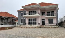 5 bedroom posh house for sale in Akright at 410,000 USD