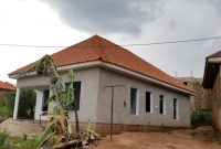 2 bedroom house for sale in Kira at 100m