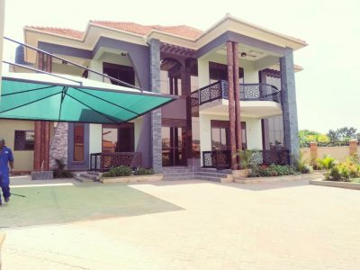 6 bedroom house for sale in Kungu Najjera at 900m