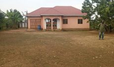 3 bedroom house for sale in Vumba Gayaza at 120m