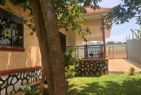 3 bedroom house for sale in Kira at 210m