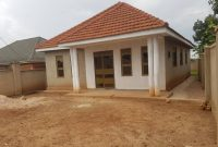 3 bedroom house for sale in Kungu Kyanja at 210m