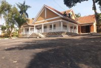 4 bedroom house for rent in Lungujja at 1,500 USD