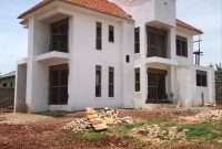 5 bedroom house for sale in Kyanja on 100x100ft at 550m