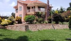 4 bedroom house for sale in Bwerenga 1 acre at 1.5 billion shillings