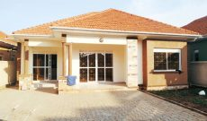 3 bedroom house for sale on 15 decimals at 350m in Kira