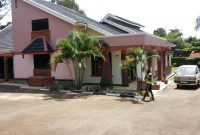 4 bedroom house for rent in Bugolobi at 2500 USD