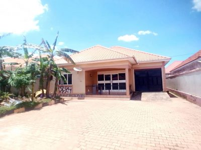 3 bedroom house for sale in Namugongo 215m