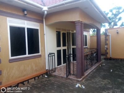 3 bedroom house for sale in Buziga at 170m