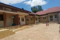 5 rentals for sale in Kanyanya 2.5m monthly at 280m
