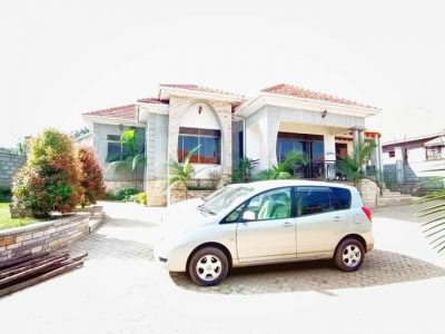 4 bedroom house for sale in Kira Bulindo at 580M