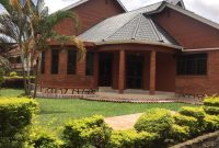 4 bedroom house for sale on half acre in Manyago Entebbe 350,000 USD