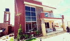 4 bedroom house for sale in Kyanja with pool at 480m