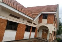 5 bedroom house for rent in Kololo on 1 acre at $3000