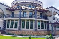 8 bedroom mansion for sale in Bunga Kawuku at $800,000