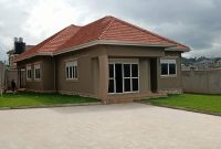 4 bedroom house for sale in Kira Mulawa at 450m