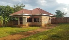 3 bedroom shell house for sale in Bweyogerere 18 decimals 110m