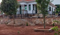 4 bedroom house for sale in Nakawuka at 650m