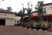 4 bedroom house for rent in Kololo with pool at 5,000USD