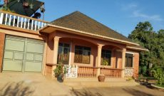 3 bedroom house for sale in Entebbe on 25 decimals at 350m